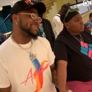 Video: Teni And Davido Met In Dubai, Go Shopping Together. BET Reacts.