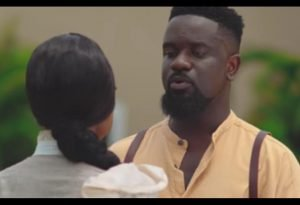 Video: Fan Disagrees With Sarkodie Over His Saara Song