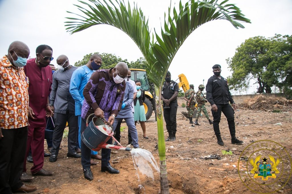 Photos: Nana Addo Cuts Sod For New Projects. 1 - Your source of trusted information.