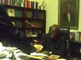 Akufo Addo taking bribe