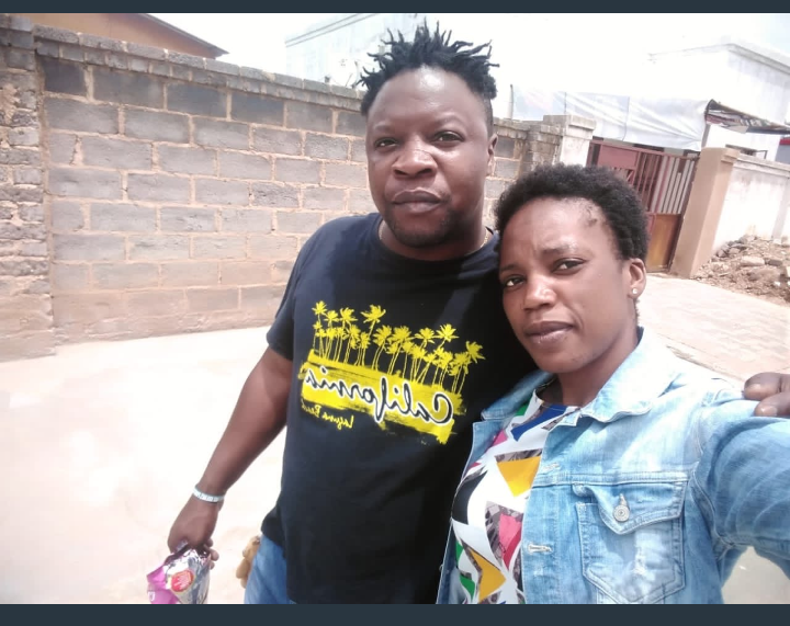 Man Caught His Wife And His Best Friend In The Act, Took Selfie Before the Beating. 1 - Globecalls.com is a 24/7 Entertainment News Outlet In West Africa Serving Its Readers With The Best In Music, News, Events, And World Happenings.
