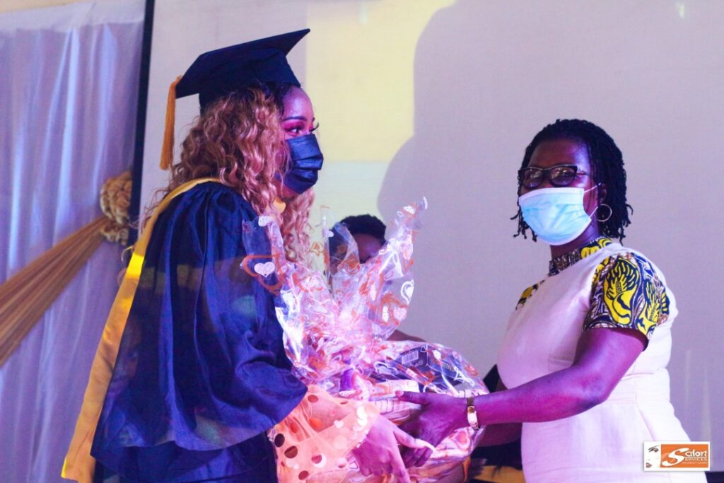 Salon Services Hair & Beauty Academy Sets Record With 2021 Graduation 3 - Globecalls.com is a 24/7 Entertainment News Outlet In West Africa Serving Its Readers With The Best In Music, News, Events, And World Happenings.
