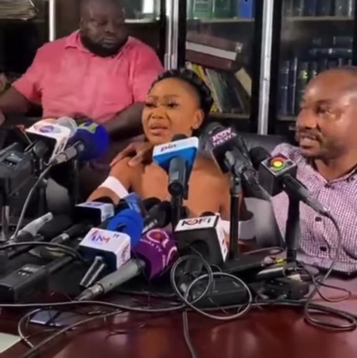 Akuapem Poloo Breaks Into Tears Amids Her 'Nation's Address'.