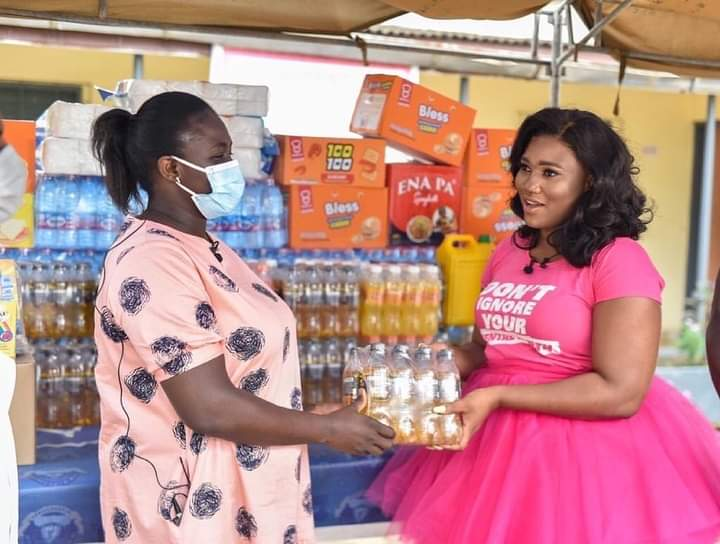 Abena Korkor Found Love On Date Rush, Donates To Accra Psychiatric Hospital 3 » Best Tech News, Gadgets, FinTech and Telco news.