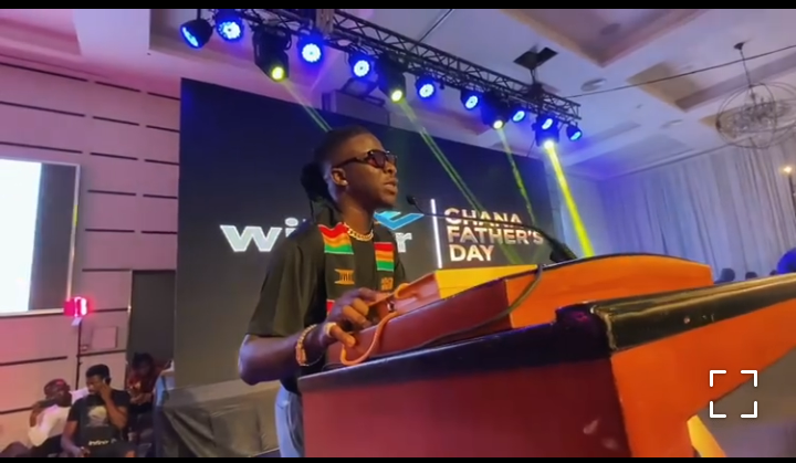 Stonebwoy Wins Father Of The Year Award