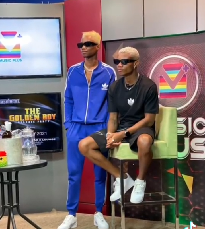 video: Kidi In Awe As He Meets His Doppelganger